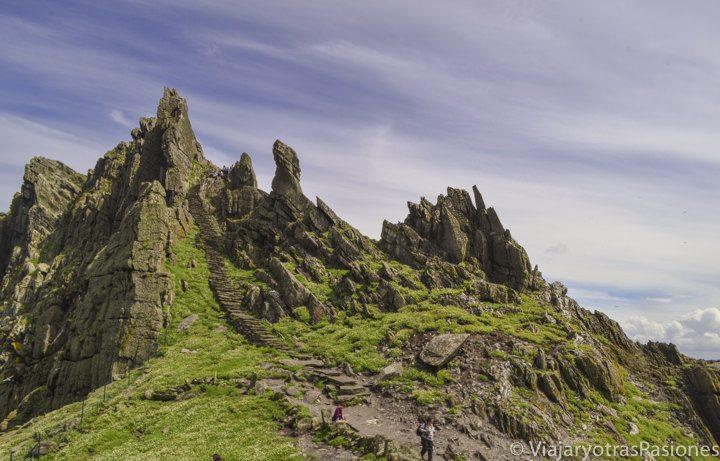 Detalle del relieve de la isla de Skellig Michael, durante el viaje al Anillo de Kerry,Irlanda