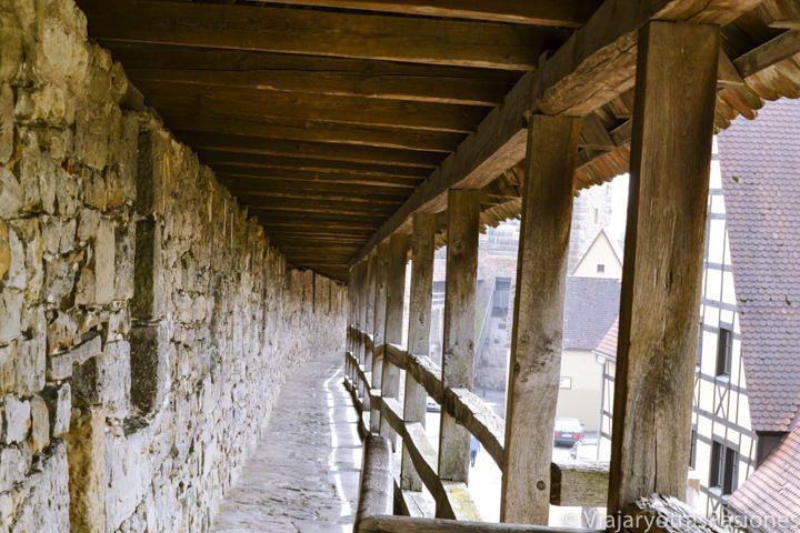 En visitar Rothenburg se pueden ver las preciosas muralla del pueblo en Alemania