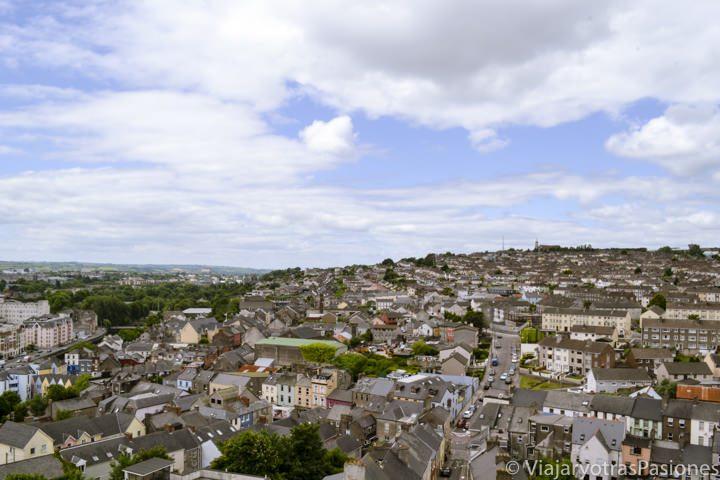 Panorámica de Cork desde el campanario de la iglesia de St. Anne en Irlanda