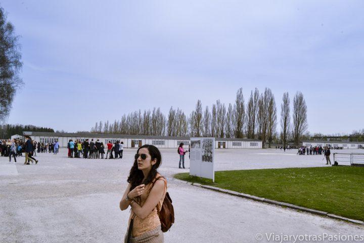 Patio interior que se puede ver en visitar el campo de concentración de Dachau cerca de Múnich en Alemania