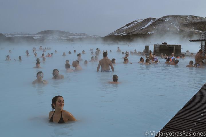 Panoramica de la famosa Blue Lagoon en Islandia