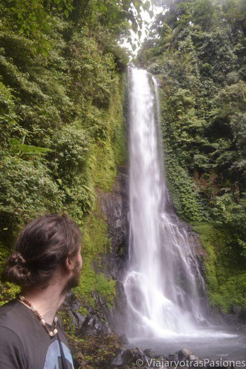 Hermosa cascada Git Git en el viaje a Bali, en Indonesia
