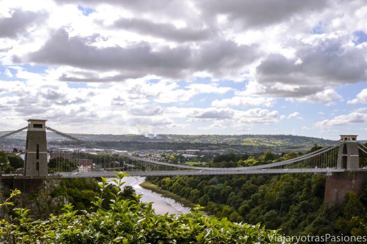 Panorámica de Clifton Bridge, el puente en suspensión landmark de Bristol en Inglaterra
