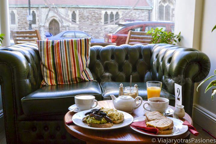 Delicioso desayuno en Hasting, Inglaterra