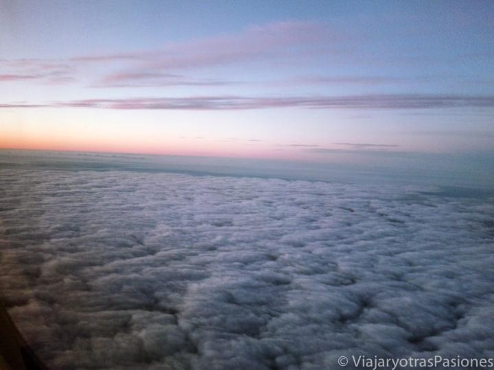 Vista desde el avión antes del aterrizaje en uno de los aeropuertos de Londres