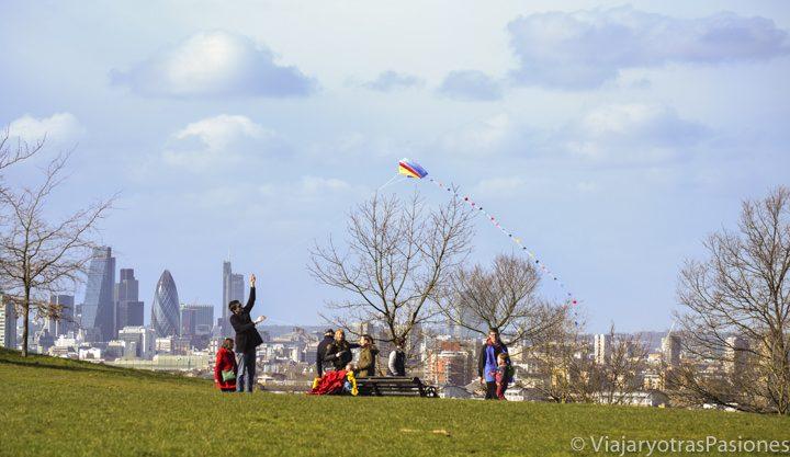 Preciosa vista del parque de Greenwich y sus panorámicas sobre Londres, Inglaterra