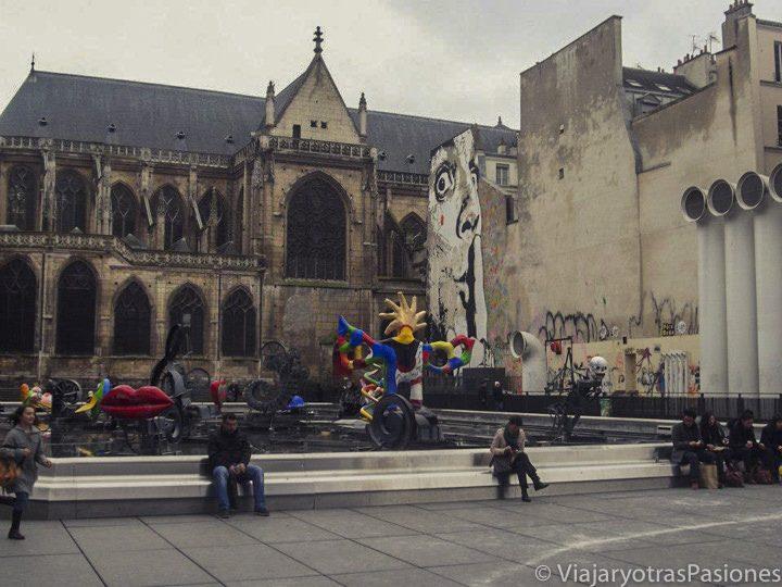 Plaza delante del Pompidou, Paris