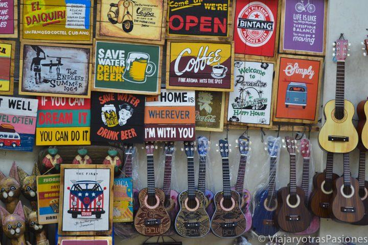 Recuerdos en el mercado de Ubud, en el viaje a Bali
