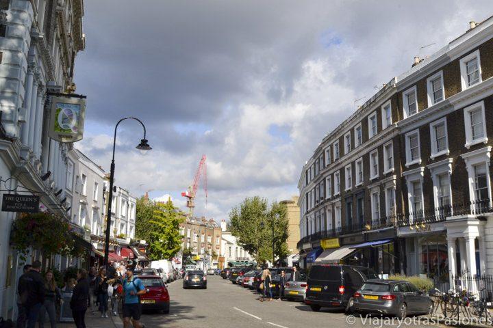 Bonita vista del característico Primrose Hill Village en Londres, cerca de Regent's Park, en Inglaterra