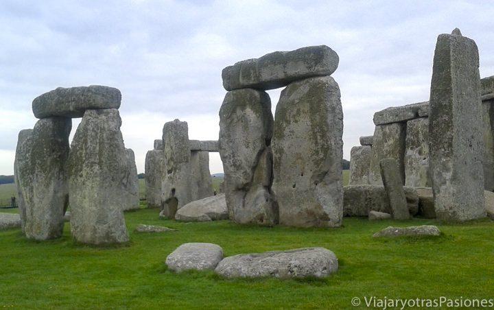 Los dólmenes de Stonehenge de cerca, Inglaterra