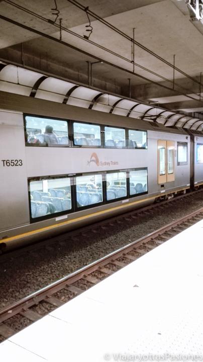 Tren para ir del aeropuerto de Sydney al centro, en Australia