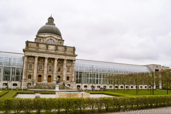 Exterior de la cancillería de Baviera en Múnich, Alemania