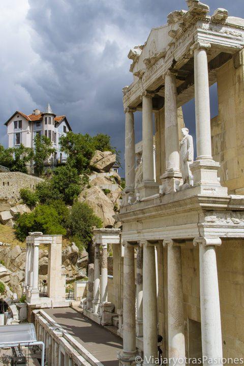 Detalle del teatro romano en Plovdiv en Bulgaria