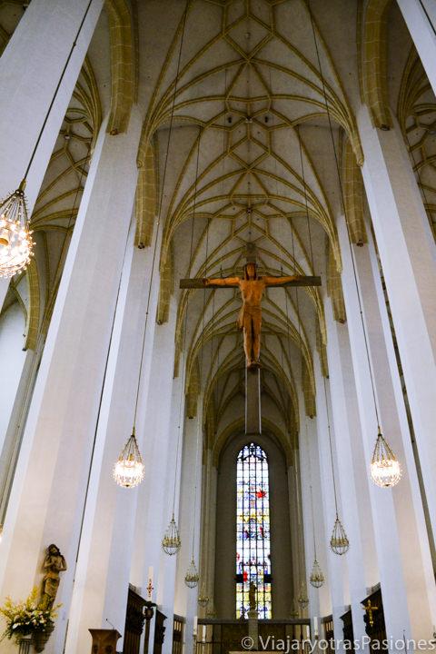 Interior de la famosa Frauenkirche en Múnich, Alemania