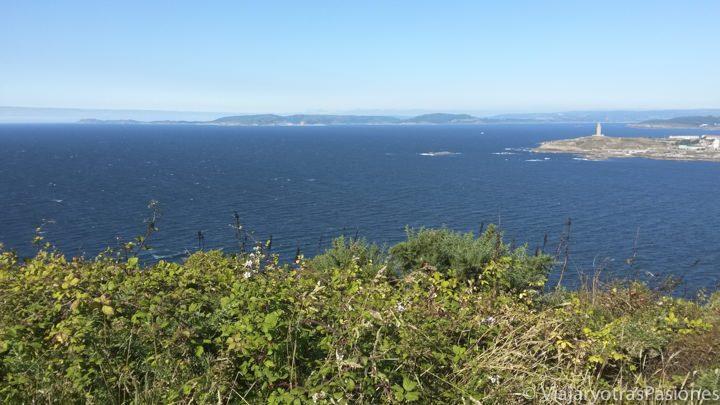Precioso paisaje desde el monte San Pedro en Coruña, España