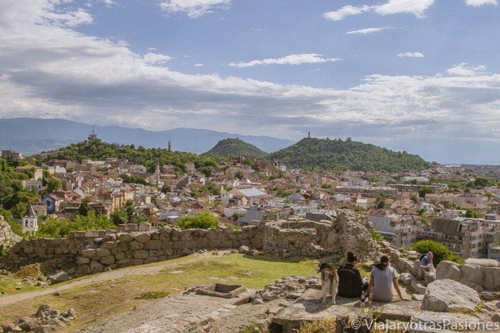 Vista desde la colina de Nebet Tepe en el centro histórico de Plovdiv, Bulgaria