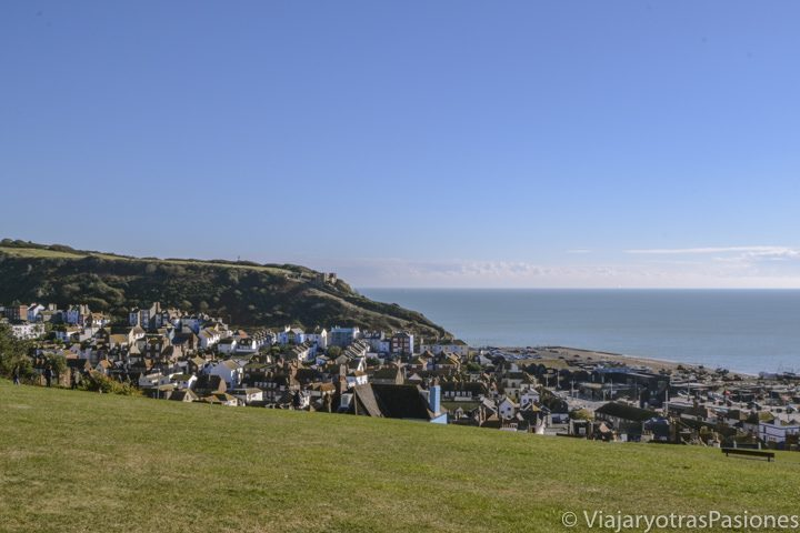 Vista del famoso pueblo de Hasting en Inglaterra