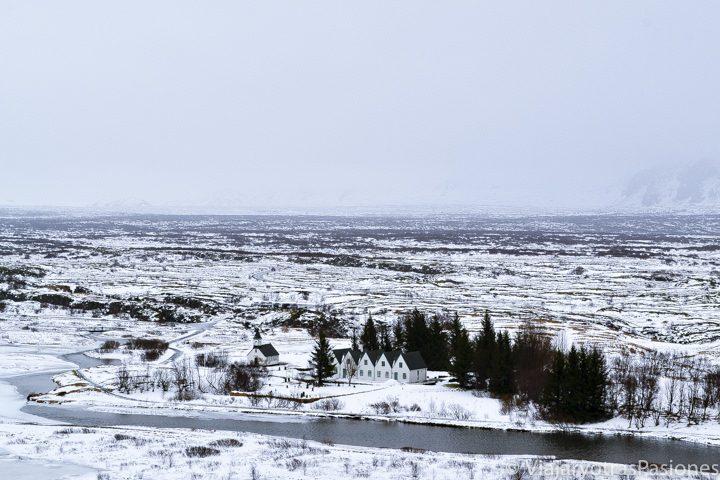 Panorámica del hermoso Parque Nacional Thingvellir en Islandia