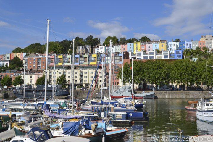 Hermoso panorama en el puerto de Bristol, Inglaterra