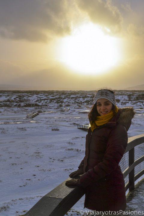 Retrato en el Parque Nacional Thingvellir en Islandia