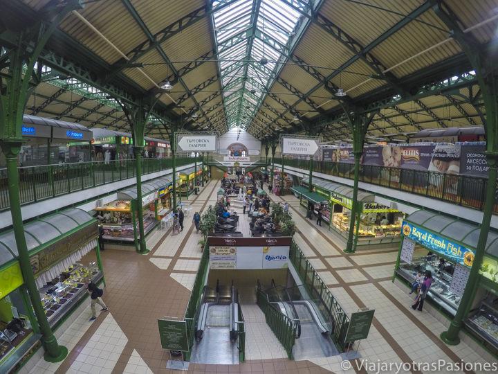 Vista del mercado central de Sofía en Bulgaria
