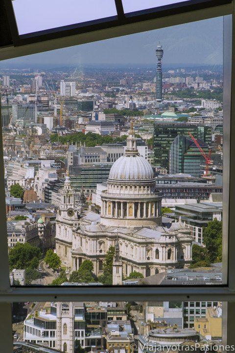 Vista de la catedral de St Paul's desde el Sky Garden, Londres