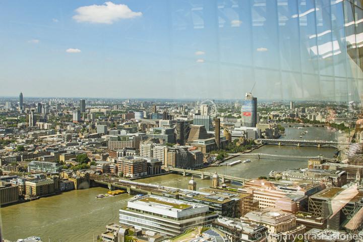 Panorama de la ciudad de Londres desde il mirador de lo Sky Garden, Inglaterra