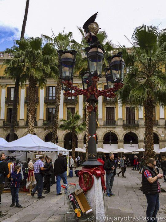 Panoramica de la bonita Plaza Real que se puede ver un Barcelona en dos días