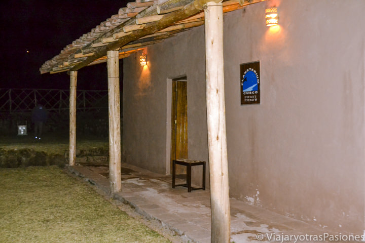Imagen nocturna del planetario de Cuzco en Perú