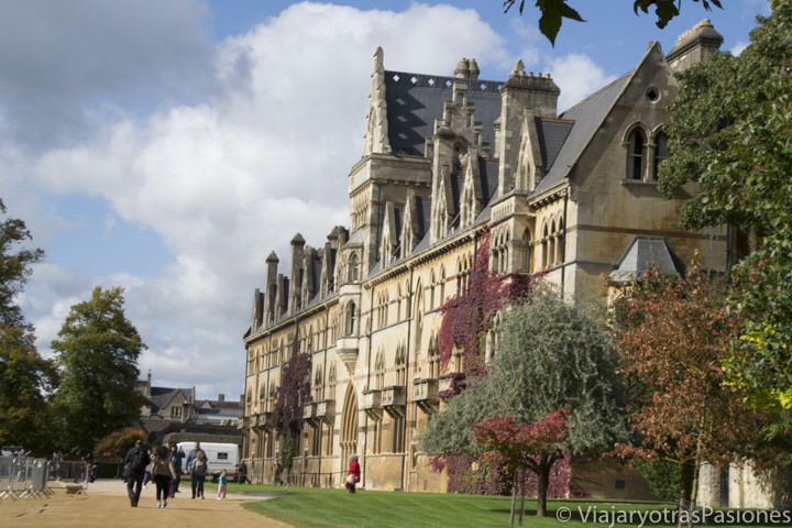 Espectacular fachada del célebre Christchurch College en Oxford, Inglaterra