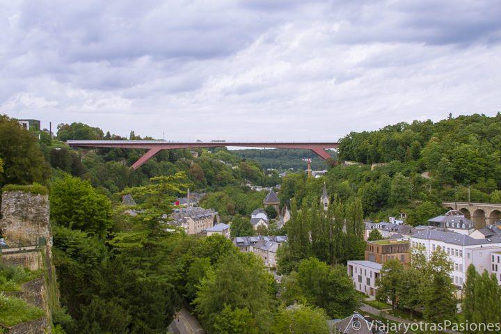 Panorámica de la ciudad y el Puente de la Gran Duquesa Carlota, Luxemburgo