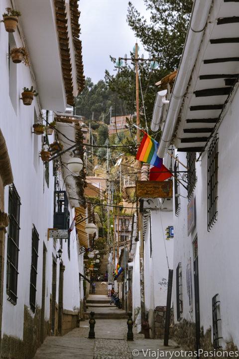 Típica callejuela del barrio de San Blas en Cuzco, Perú