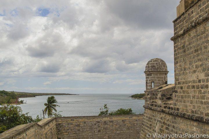 Castillo de Jagua en la bahía de Cienfuegos en el viaje en Cuba por libre
