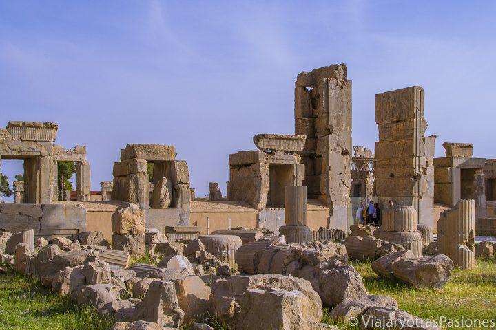 Antiguas ruinas de Persepolis cerca de Shiraz en Irán