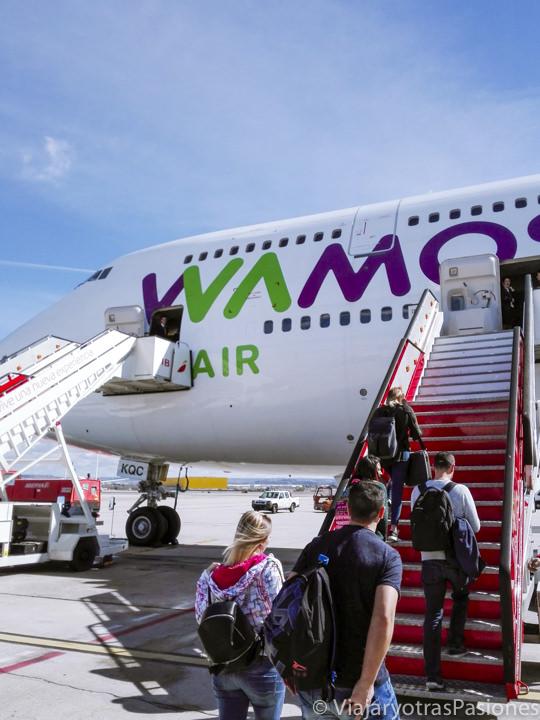 Avión de la empresa Wamos Air desde Madrid hasta México