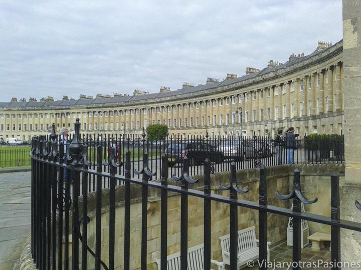El característico Royal Crescent en Bath, Inglaterra