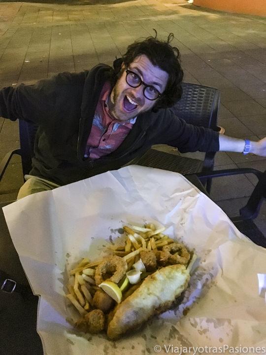 Porción gigante de fish and chips en la ciudad de Townsville, Australia