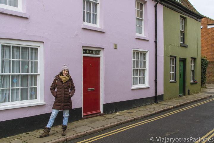 Típicas casas de colorines en Canterbury en un día in Inglaterra