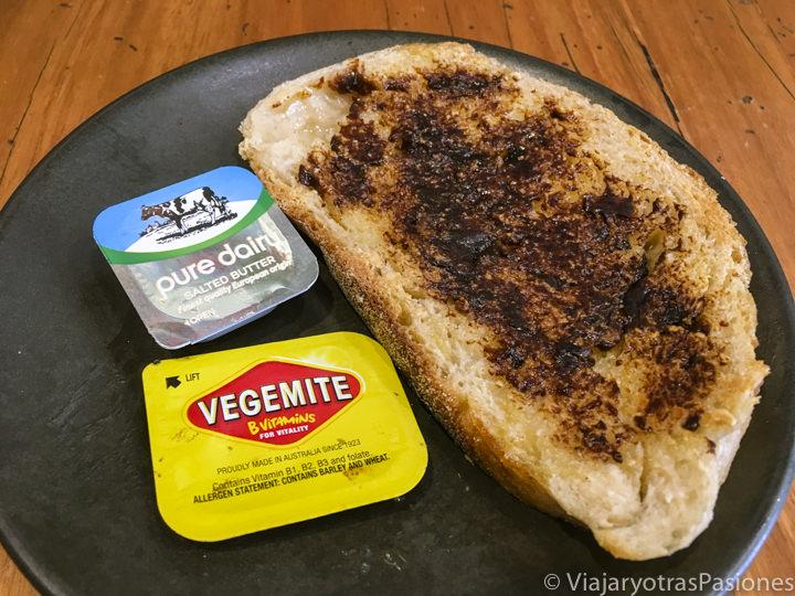 Famoso Vegemite y mantequilla comida en Australia