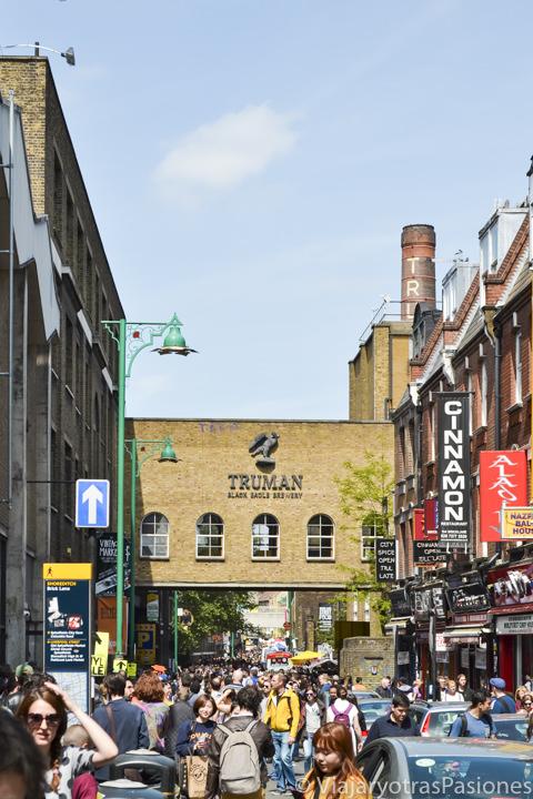 Imagen del famoso mercado de Londres de Brick Lane, en Inglaterra