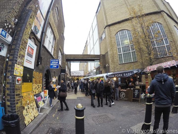 Panorama de la famosa calle de Brick Lane en Londres, Inglaterra