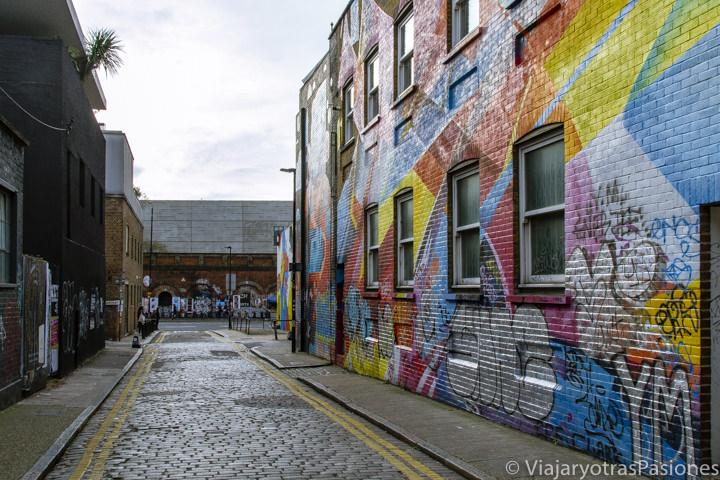 Típica calle del barrio de Shoreditch en Londres, Reino Unido