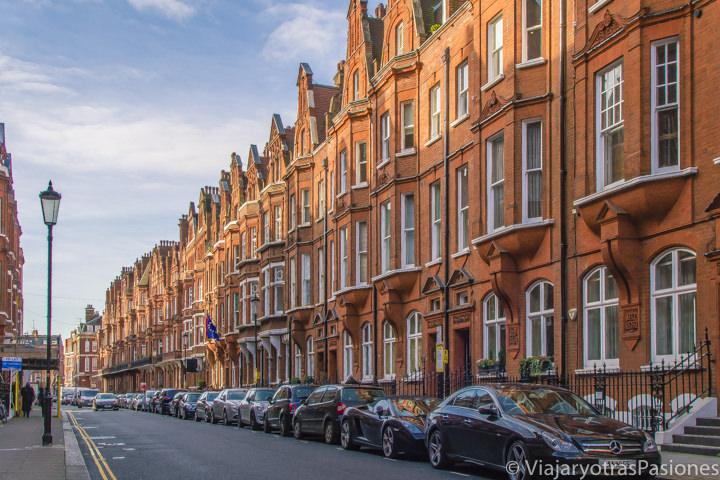 Bonita arquitectura en Draycott Place en el barrio de Chelsea, Londres