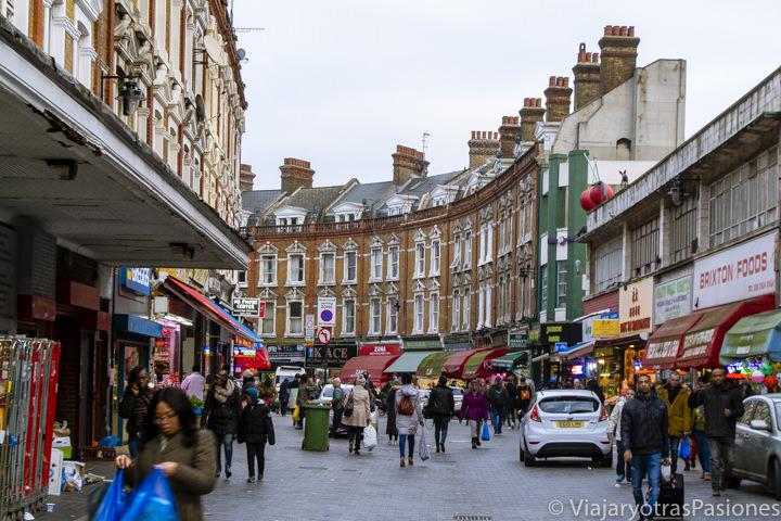 Bonita imagen de Electric Avenue en Brixton, Londres