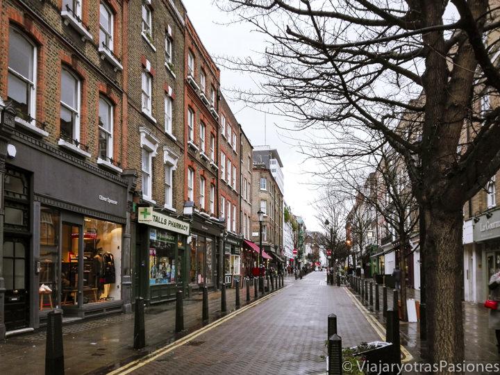 Panorama de la bonita calle de Lambs Conduit en Londres, Reino Unido