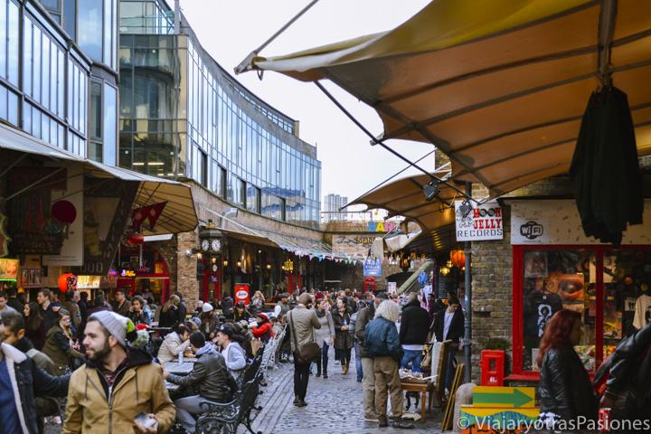 Panorama del famoso mercado de Camden Town en Londres, Inglaterra