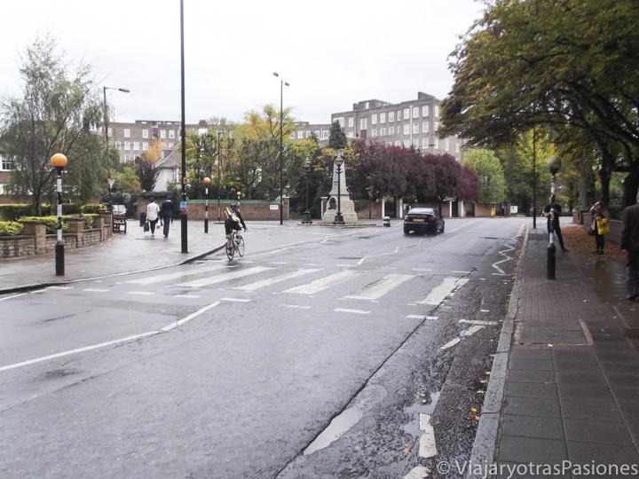 Famoso paso de peatones en Abbey Road en Londres, Inglaterra
