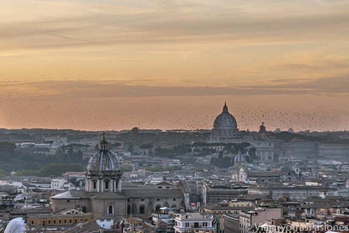 Atardecer extraordinario en la ciudad de Roma, Italia