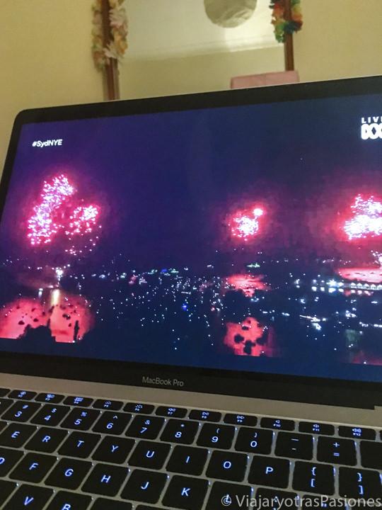 Directo televisivo de los famos fuegos artificiales de año nuevo en Sydney, Australia