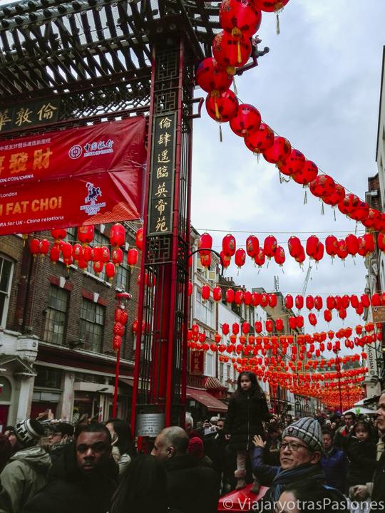 Entrada del barrio de Chinatown durante las celebraciones del Año Nuevo Chino en Londres